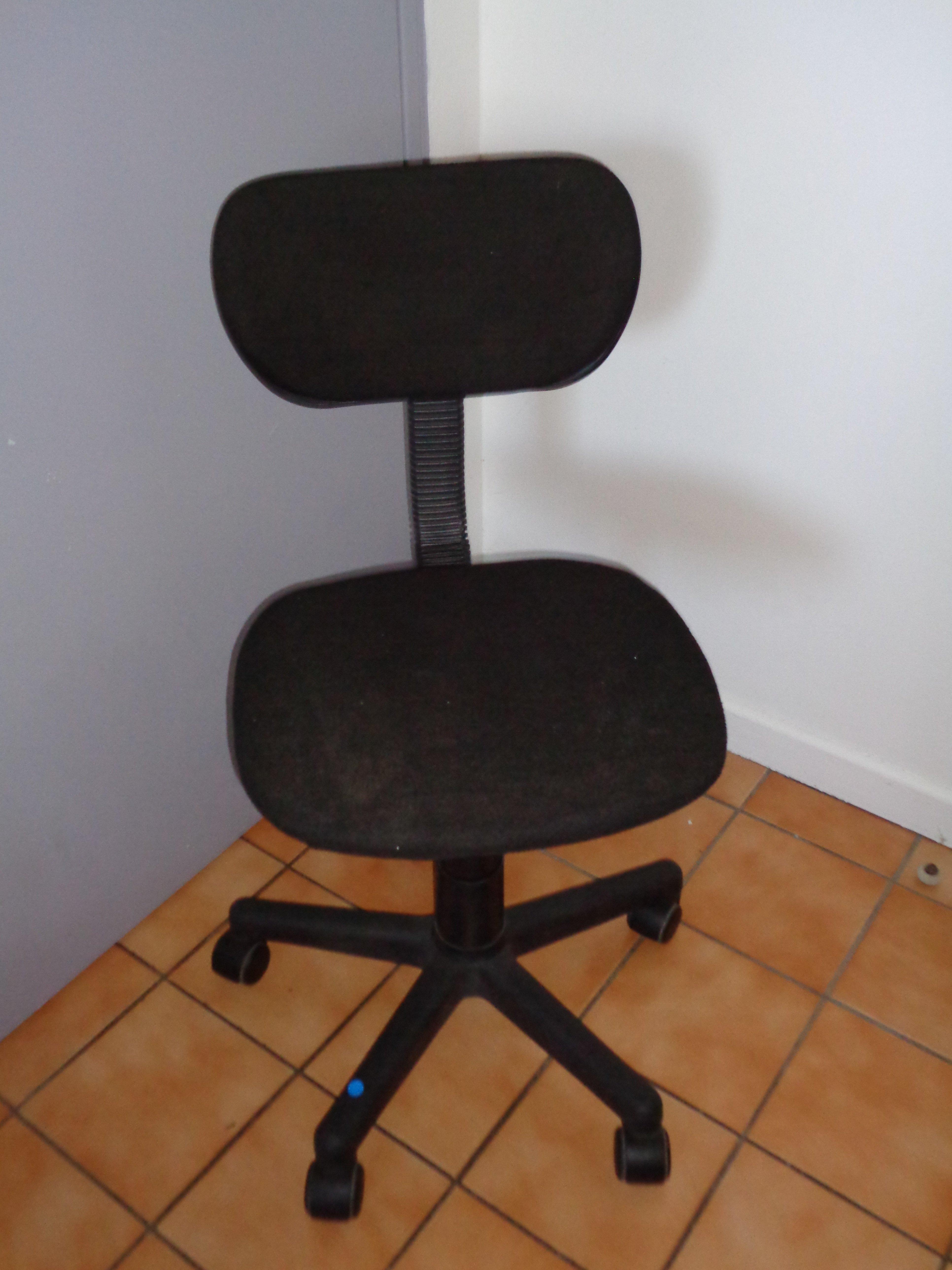 A vendre urgentpourcausededemenagement for Chaise 20 euros